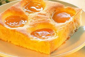 aprikosen schmand kuchen mit orangeat