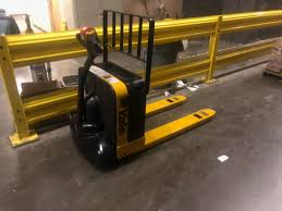 100 Walkie Pallet Truck Yale Jack Adept Equipment Services