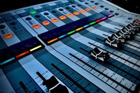 Best Audio Mixers For Beginners And Professionals In 2018