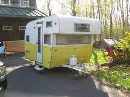 1969 Beeline Vintage Travel Trailer Camper