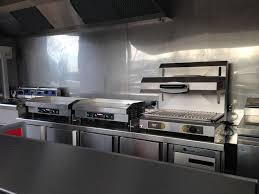 camion équipé cuisine achat camion burger moncamionresto com