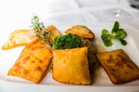 kartoffelblattln mit sauerkraut rezept vom goldenen löwen