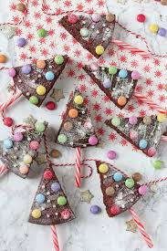 Have Some Fun With Festive Baking And Make These Christmas Tree Chocolate Cake Pops They