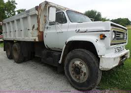 100 Kodiak Trucks 1984 Chevrolet Dump Truck Item L6202 SOLD August
