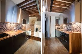cuisine bois plan de travail noir noir et plan de travail en bois
