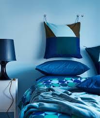 mit stoffen atmosphäre im schlafzimmer schaffen ikea