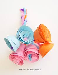 Paper Rosebud Bouquet Craft For Kids Shavuos