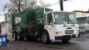 Garbage Trucks: Side Arm Garbage Trucks