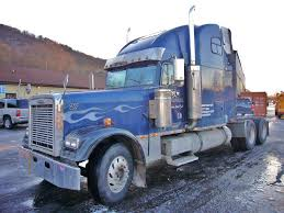 1999 Freightliner FLD120 Classic Tandem Axle Sleeper Cab Tractor For ...