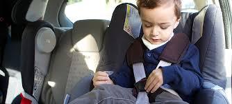 siege auto enfant obligatoire sécurité enfants attacher enfant en voiture apr