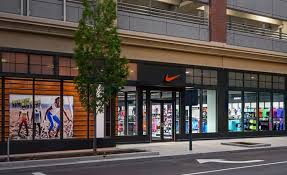 Nike Outlet by Steals 800 Pairs Of Sneakers From Nike Outlet In