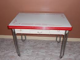 UNCOVER THE MAGIC OF VINTAGE KITCHEN TABLE WITH ENAMEL TOP