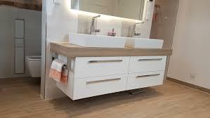 badezimmer ausbauen badfliesen badmöbel armaturen