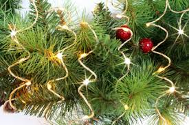 Gold Christmas Tree Tinsel Icicles by Christmas Tree Garland Ideas A Very Cozy Home