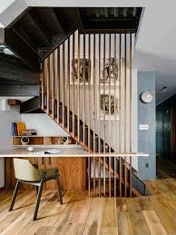 sous bureau original aménager l espace sous l escalier inspirations déco côté maison