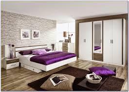 décoration chambre à coucher peinture decoration peinture pour chambre adulte excellent un d eux est
