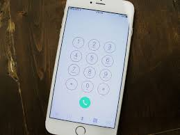 How to manage contacts and call history in the Phone app for