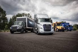 100 Fleet Trucks Cleaner Greener Electric Truck Fleet Expected At Ports Of Long