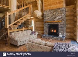 holzofen im wohnzimmer der eastern white pine blockhaus