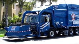 Back Loader Garbage Truck.First Gear City Of Chicago Front Load ...