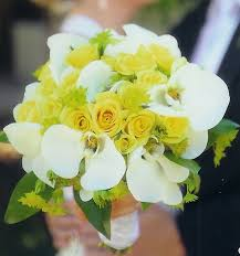 White And Yellow Wedding Bouquets