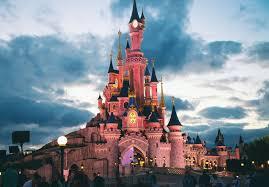 Halloween Theme Park Uk by Disneyland Rival To Open In Kent In 2021 Despite Developer