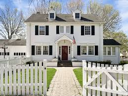 100 Kensington Place 926 Aurora IL 60506 Crowne Realty LLC