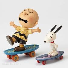 Jim Shore Halloween Uk by Jim Shore Peanuts Collection Peanuts Skateboarding Buddies Snoopy