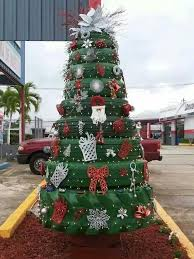 A Really Cool Way To Use Recycled Used Tires Create An Usual Christmas Tree Thats Sure Be Conversation Piece CoOL