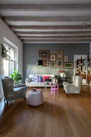 lassischer stilmix im wohnzimmer mit bild kaufen