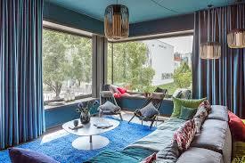 extravagantes wohnzimmer in petrol mit bild kaufen