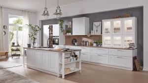 küchen im landhausstil einrichten interliving