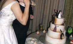 Wedding Cake Topper Zombie Photo Tis The Season For A Geekologie 450 X