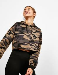 bershka si e social sport sweatshirt cropped camouflage mit kapuze entdecken sie diese