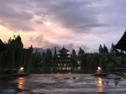 100 Banyantree Lijiang Banyan Tree Banyan Tree River China