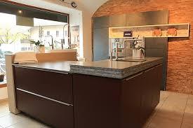 bax musterküche luxus küche mit schiefer und lackfronten