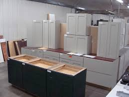 Amish Cabinet Makers Arthur Illinois by Cabinet Factories Outlet Specials