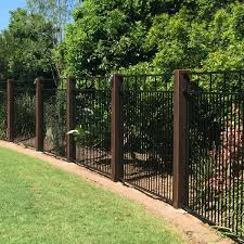 Outdoors Affordable Backyard Fence Ideas For Your Best Outdoor