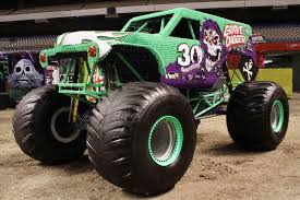100 Monster Truck Freestyle Grave Digger 30 Wiki Fandom Powered By Wikiarhwikiacom Jam Carrier