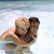 Janet Leigh Tony Curtis Stock Photos U0026 Janet Leigh Tony Curtis by Missavagardner U201c Tony Curtis And Janet Leigh Photographed By