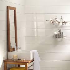 lambris blanc derrière vasque interiores salle de