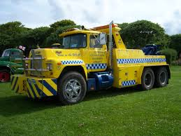 File:1977 MACK R686RSX (VRA 284S) Recovery Truck, 2012 HCVS Tyne ...