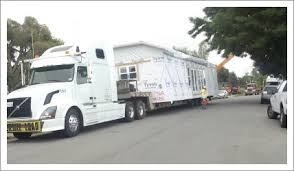 Modular building transportation services