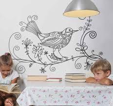 wandtattoo wohnzimmer vogel blumenranke