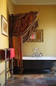 baldachin über der badewanne im bild kaufen 11024273