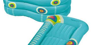 la baignoire et matelas à langer gonflables le kit voyage idéal