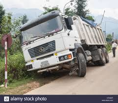 Big Truck Accident Stock Photo: 49772171 - Alamy Fatal Truck Wrecks Spiked In 2017 Overall Crash Deaths Fell The Big Accident Stock Image Image Of Ambulance Disrepair 2949309 What Is Platooning Rig Trucks And It Safe Big Accidents Truckcrashcourtesywsp Cars Truck Surge Why No Tional Outcry Commercial Cape Testing Spring 18wheeler Accident Lawyer Texas Attorney Pladelphia Rand Spear Says Semi Hit 8 Dead Dozens Injured After Greyhound Bus New Mexico Man Recovering Car Crashes Into Semitruck Ramen Noodle Blocks I95 Abc11com Crash Prompts Wb 210 Freeway Lane Closures Pasadena