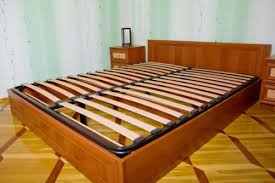 How to Buy a Used Bed Frame