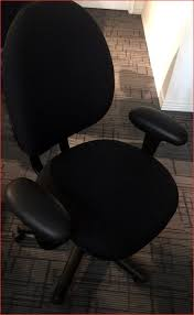 Staples Office Desk Chairs by Furniture Best Choice For Your Office By Using Conklin Office