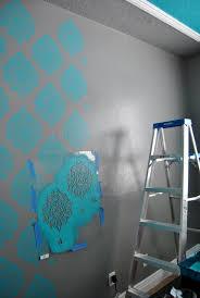 Stencil Paintflat Wall In Bedroom